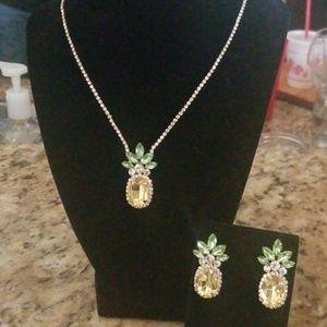 Custom Elegant Pineapple Necklace & Earrings (New)